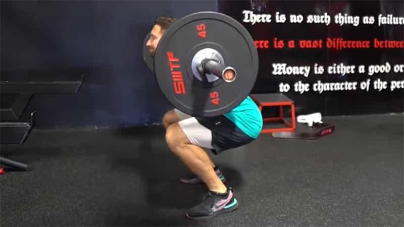correct foot positioning when doing the barbell squat